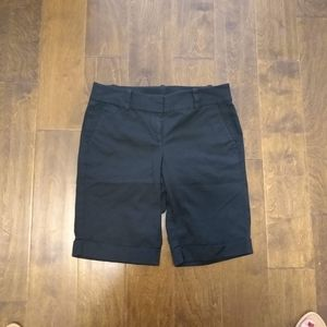 Ann Taylor size 4 black boardwalk shorts Bermuda